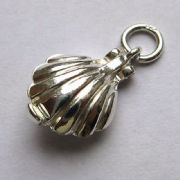 Sterling Silver Pearl in oyster charm